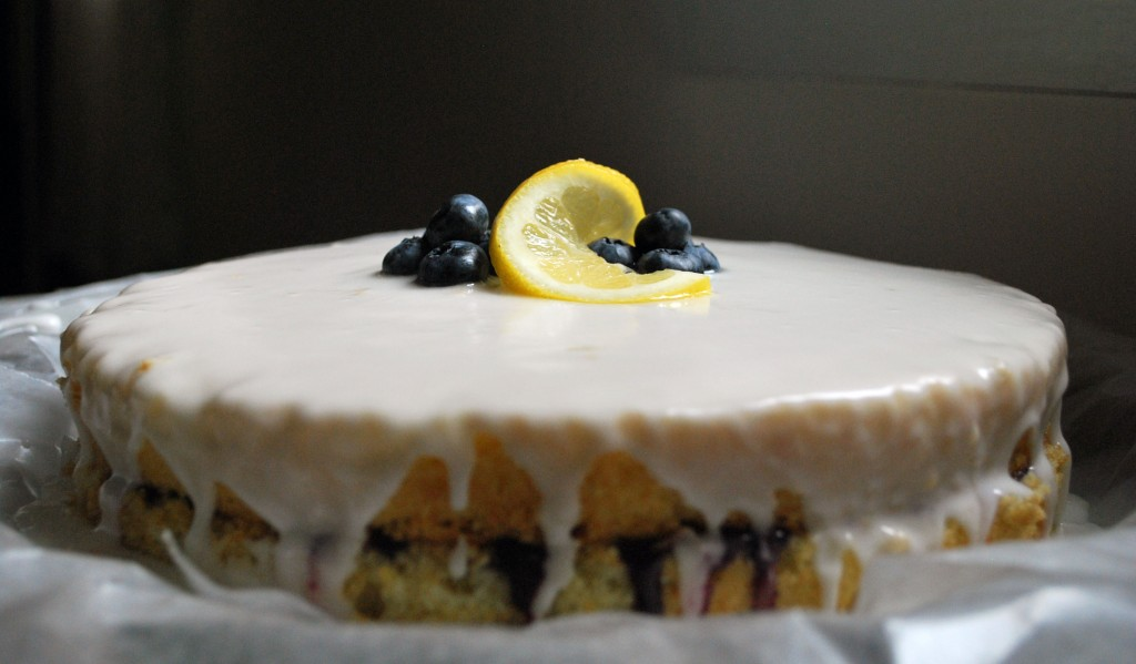 Ahu Eats: Ahu Eats: Blueberry Curd Cake with Lemon Glaze