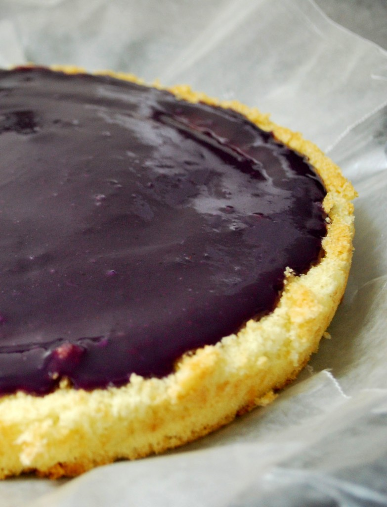 Ahu Eats: Blueberry Curd on Vanilla Cake Base
