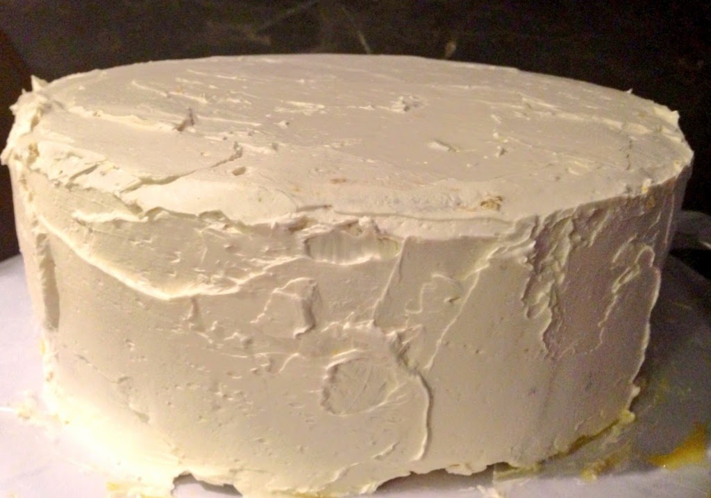 Ahu Eats: Lemon Curd Layer Cake Fully Frosted