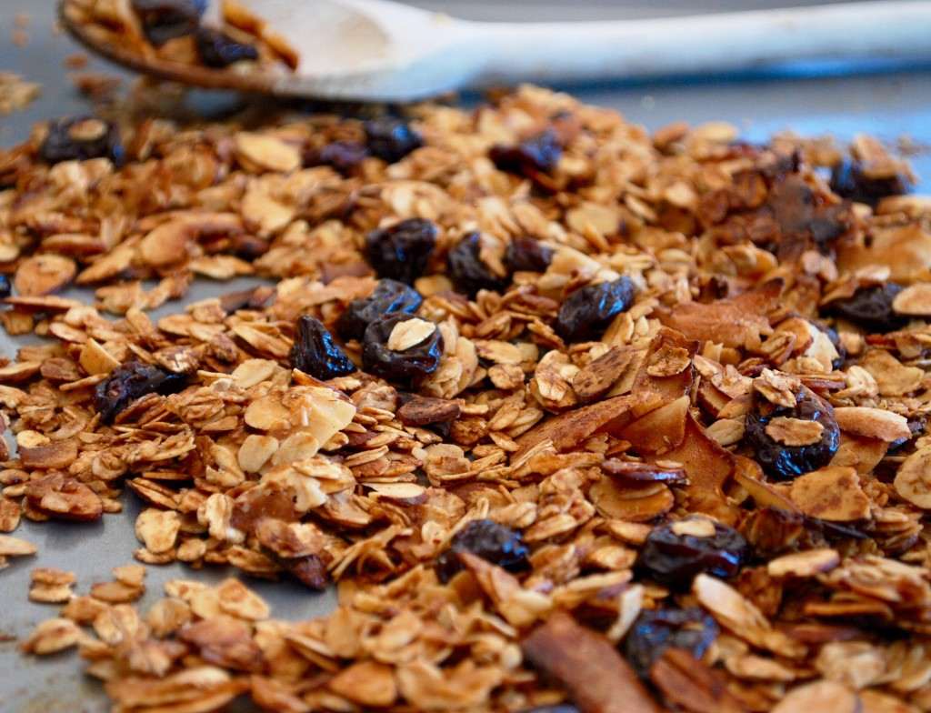 Spiced Cherry Almond Granola - Ahu Eats